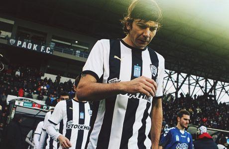 Ο Πάμπλο Γκαρσία του ΠΑΟΚ πριν από την αναμέτρηση με τον Ατρόμητο για τα προημιτελικά του Κυπέλλου Ελλάδας 2011-2012 στο γήπεδο της Τούμπας, Τετάρτη 25 Ιανουαρίου 2012