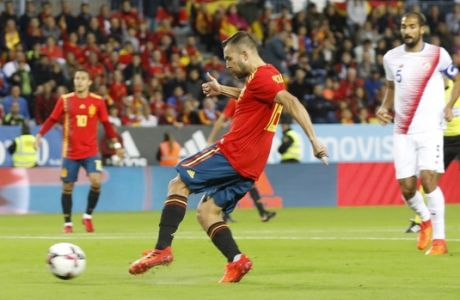 Spain's Jordi Alba scores his side first goal during the international friendly soccer match between Spain and Costa Rica in Malaga, Spain, Saturday, Nov. 11, 2017. (AP Photo/Miguel Morenatti)