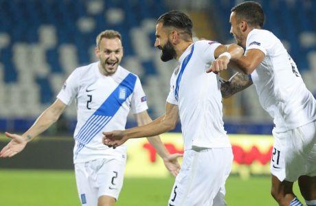 Ο Δημήτρης Σιόβας πανηγυρίζει το τέρμα που πέτυχε απέναντι στο Κόσοβο, στην εκτός έδρας νίκη της Ελλάδας με 1-2 για την 2η αγ. του Nations League 2020-2021. (ΦΩΤΟΓΡΑΦΙΑ: ΜΑΡΚΟΣ ΧΟΥΖΟΥΡΗΣ / EUROKINISSI)
