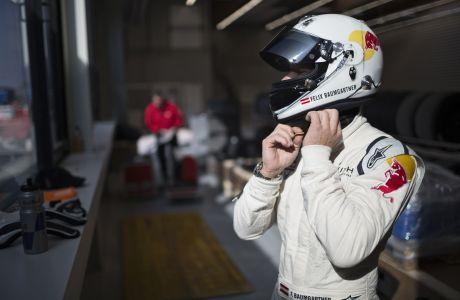 Ο Felix Baumgartner οδηγός αγώνων!
