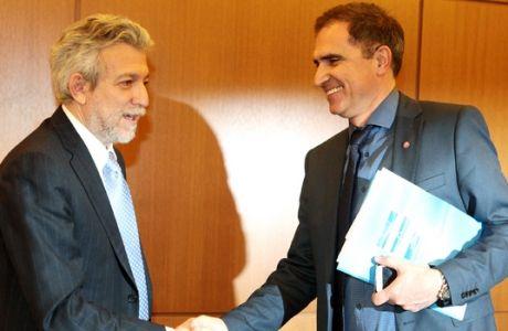 Ο Μποροβήλος κάλεσε σε συνάντηση τους ιδιοκτήτες των ΠΑΕ