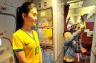 Με φανέλες της Βραζιλίας οι Κινέζες αεροσυνοδοί (PHOTOS)