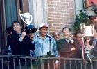 Άντιτς και Χιλ με τα τρόπαια του πρωταθλήματος και του κυπέλλου στη φιέστα του νταμπλ το 1996.
