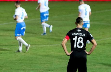 Απογοητευμένος ο Γιαννούλης από την εξέλιξη της αναμέτρησης με τον Απόλλωνα Λεμεσού, για τον 2ο προκριματικό γύρο του Europa League. O OΦΗ ηττήθηκε με 0-1 στο 'Γεντί Κουλέ' και αποκλείστηκε από τη συνέχεια της διοργάνωσης. (ΦΩΤΟΓΡΑΦΙΑ: ΣΤΕΦΑΝΟΣ ΡΑΠΑΝΗΣ / EUROKINISSI)