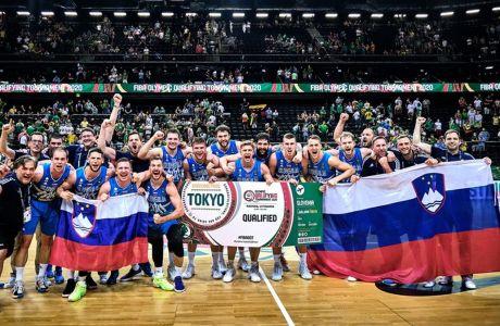 Οι Σλοβένοι πανηγυρίζουν την πρόκρισή τους στο Τόκιο. Η συμμετοχή του Ντόντιστς παίχθηκε όταν οι Κλίπερς νίκησαν 4-3 τους Μάβερικς