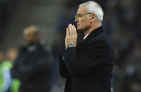 Leicester manager Claudio Ranieri gestures during a Champions League group G soccer match between FC Porto and Leicester City at the Dragao stadium in Porto, Portugal, Wednesday, Dec. 7, 2016. (AP Photo/Paulo Duarte)