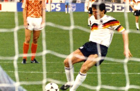 Ο Λόταρ Ματέους στη διάρκεια του EURO '88