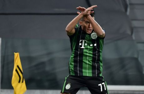 FΟ Μίρτο Ουζούνι σκοράρει απέναντι στη Γιουβέντους και πανηγυρίζει όπως ο Ρονάλντο, που αποτελεί το ποδοσφαιρικό του είδωλο. Οι 'μπιανκονέρι' ωστόσο επικράτησαν με σκορ 2-1 της Φερεντσβάρος για την 4η αγ. των ομίλων του Champions League | 24/11/2020 (Marco Alpozzi/LaPresse via AP)