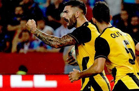 Ο Μάρκο Λιβάγια της ΑΕΚ πανηγυρίζει το γκολ που πέτυχε στη νίκη με 2-0 επί της Τράμπζονσπορ στα playoffs του Europa League 2019-2020, Τραπεζούντα, Πέμπτη 29 Αυγούστου 2019