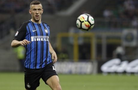 Inter Milan's Ivan Perisic controls the ball during a Serie A soccer match between Inter Milan and Sassuolo, at the San Siro stadium in Milan, Italy, Saturday, May 12, 2018. (AP Photo/Luca Bruno)