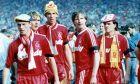 Οι Στιβ Μακμάχον, Μπάρι Βένισον, Γκάρι Άμπλετ, Ρόνι Γουίλαν και Ρέι Χάουτον (από αριστερά προς τα δεξιά) της Λίβερπουλ έπειτα από την κατάκτηση του FA Cup 1988-1989 στον τελικό κόντρα στη Νότιγχαμ στο 'Γουέμπλεϊ', Λονδίνο, Σάββατο 20 Μαΐου 1989