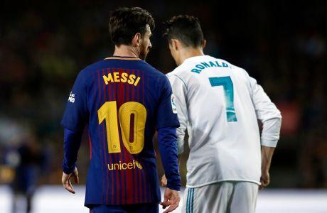 Ο Λιονέλ Μέσι της Μπαρτσελόνα και ο Κριστιάνο Ρονάλντο της Ρεάλ σε στιγμότυπο της αναμέτρησης για την Primera Division 2017-2018 στο 'Καμπ Νόου', Βαρκελώνη, Κυριακή 6 Μαΐου 2018
