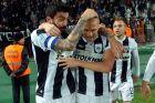 Ο Ζβόνιμιρ Βούκιτς του ΠΑΟΚ πανηγυρίζει με τον Στέφανο Αθανασιάδη γκολ που σημείωσε κόντρα στον Παναθηναϊκό για τη Super League 2012-2013 στο γήπεδο της Τούμπας | Κυριακή 17 Μαρτίου 2013