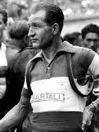 Ο Τζίνο Μπάρταλι κατέκτησε επτά φορές τη βαθμολογία των βουνών στο Γύρο Ιταλίας.