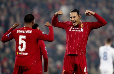 Ο Βίρτζιλ φαν Ντάικ της Λίβερπουλ πανηγυρίζει με τον Ζεορζίνιο Βαϊνάλντουμ γκολ κόντρα στη Γκενκ για τη φάση των ομίλων του Champions League 2019-2020 στο 'Άνφιλντ', Λίβερπουλ, Τρίτη 5 Νοεμβρίου 2019