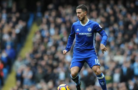 Chelseas Eden Hazard during the English Premier League soccer match between Manchester City and Chelsea at the Etihad Stadium in Manchester, England, Saturday, Dec. 3, 2016. (AP Photo/Rui Vieira)