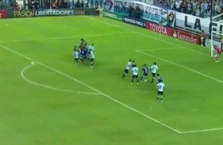 Απίστευτο γκολ με σούπερ κομπίνα (VIDEO)