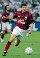 Ο Ζιντάν με τη φανέλα της Μπορντό στον τελικό του Κυπέλλου UEFA το 1996.