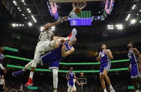 Ο Αντετοκούνμπο δεν... σεβάστηκε τον Κουφό με triple-double και poster dunk