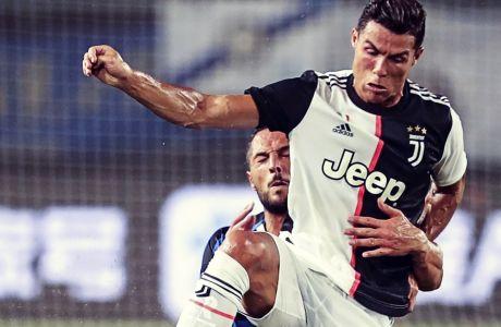 Ο Ρονάλντο με αντίπαλο τον Ντ'Αμπρόζιο, στο πρόσφατο φιλικό της Γιουβέντους με την Ίντερ