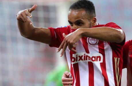 Ο Ελ Αραμπί πανηγυρίζει ένα εκ των δύο τερμάτων που σκόραρε στο 3-0 του Ολυμπιακού επί της ΑΕΚ στο 'Γ. Καραϊσκάκης', για την 14η αγ. της Super League Interwetten | 03/01/2021 (LATO KLODIAN / EUROKINISSI)