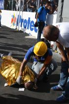 EDITORS NOTE: Graphic content / A rescue worker covers the body of one of the two supporters of Honduran team Motagua who were killed in a stampede at the National Stadium in Tegucigalpa on May 28, 2017. At least two people were killed and 25 injured in the chaos and unrest caused when hundreds of fans tried to enter the overcrowded stadium before the final match of the Clausura football tournament between Motagua and Honduras Progreso. / AFP PHOTO / ORLANDO SIERRA        (Photo credit should read ORLANDO SIERRA/AFP/Getty Images)