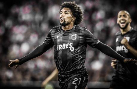Ο Ντιέγκο Μπίσεσβαρ του ΠΑΟΚ πανηγυρίζει το γκολ που πέτυχε στην αναμέτρηση με τον Άγιαξ για τον δεύτερο αγώνα του 3ου προκριματικού γύρου του Champions League 2019-2020 στη 'Γιόχαν Κρόιφ Αρένα', Άμστερνταμ, Τρίτη 13 Αυγούστου 2019