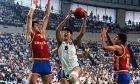 Ο Φάνης του Ευρωμπάσκετ τα έκανε όλα. Εδώ ανάμεσα σε Φερνάντο Ρομάι και Άντρες Χιμένεθ