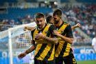 Ο Μάρκο Λιβάγια της ΑΕΚ μαζί με τον Νέλσον Ολιβέιρα πανηγυρίζει γκολ που σημείωσε κόντρα στην Κράιοβα για τον 1ο αγώνα του 2ου προκριματικού γύρου του Europa League 2019-2020 στην Κράιοβα, Πέμπτη 8 Αυγούστου 2019