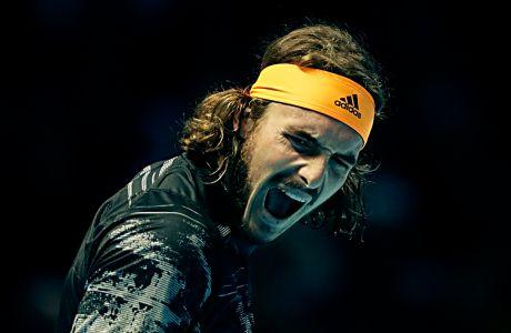 Ο Στέφανος Τσιτσιπάς σε στιγμιότυπο του αγώνα του με τον Ντόμινικ Τιμ στο ATP World Finals 2019 της 'O2 Arena', Λονδίνο, Κυριακή 17 Νοεμβρίου 2019
