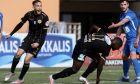 Ο Κόνραντ έχει μόλις σκοράρει για το 1-0 του Εργοτέλη επί του Απόλλωνα Λάρισας στο Ηράκλειο