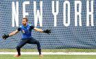 Ανεβαίνει ο Σωκράτης στη Νέα Υόρκη (PHOTOS)