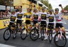 Η ομάδα της Sky πανηγυρίζει την κατάκτηση του Tour του 2018 από τον Γκέρεντ Τόμας. (AP Photo/Francois Mori)