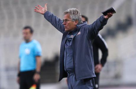 Ο προπονητής του Παναθηναϊκού, Λάζλο Μπόλονι, σε στιγμιότυπο της αναμέτρησης με την ΑΕΚ για τη Super League Interwetten 2020-2021 στο Ολυμπιακό Στάδιο | Κυριακή 6 Δεκεμβρίου 2020