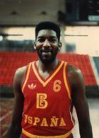Στην Εθνική Ισπανίας πρωτόπαιξε το 1980 σε ηλικία 23 ετών