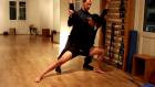 Ο Παναγιώτης Πετρογιάννης διορθώνει σώματα αθλητών μέσω χορού