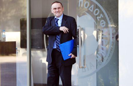 Πρόεδρος της Super League και στιχουργός ο Γιώργος Στράτος!