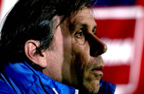 Ο Σπύρος Μαρανγκός, βοηθός προπονητή του Μαρίνου Ουζουνίδη στον Παναθηναϊκό, σε στιγμιότυπο του αγώνα με τον Πλατανιά για τη Super League 2016-2017 στο Παγκρήτιο, Πέμπτη 5 Ιανουαρίου 2017