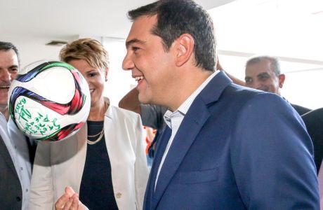 """O Τσίπρας μίλησε για την """"παράγκα"""" στο ελληνικό ποδόσφαιρο"""
