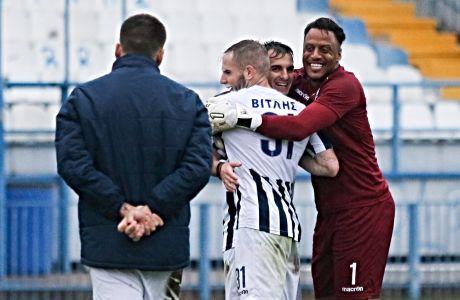 Στιγμιότυπο της αναμέτρησης Απόλλων Σμύρνης - Απόλλων Λάρισας  για την Super League 2