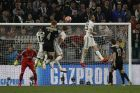 Ajax's Matthijs de Ligt, fourth from right, scores his side's second goal during the Champions League quarter final, second leg soccer match between Juventus and Ajax, at the Allianz stadium in Turin, Italy, Tuesday, April 16, 2019. (AP Photo/Antonio Calanni)