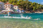 Kids swimming στο Navarino Challenge