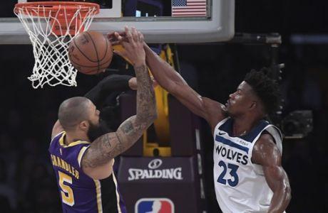 Στο Lakers-Wolves οι διαιτητές φορούσαν μοβ γυαλιά