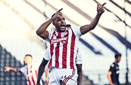 Ο Γιουσέφ Ελ Αραμπί σκόραρε στο 23' από ασίστ του Ματιέ Βαλμπουενά και ο Ολυμπιακός έφυγε νικητής από την Τούμπα, επικρατώντας με σκορ 1-0 του ΠΑΟΚ, για την 1η αγωνιστική των playoffs της Super League 2019-2020. Eurokinissi Sports