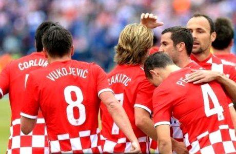 Προπόνηση στον... Εθνικό Υμνο οι Κροάτες (VIDEO)