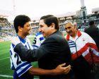 Τρεις από τους μεγαλύτερους πρωταγωνιστές της Σούπερ Ντέπορ. Ο Μπεμπέτο, ο πρόεδρος Αουγούστο Θέσαρ Λεντόιρο και δεξιά ο προπονητής Αρσένιο Ιγκλέσιας.