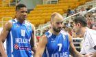 Γιάννης Αντετοκούνμπο και Βασίλης Σπανούλης, στην τελευταία φορά που έπαιξαν μαζί στην Εθνική Ελλάδας, το 2015