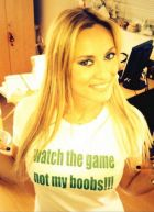 """Ελεονώρα Μελέτη: """"Watch the Game, Not my Boobs!"""""""
