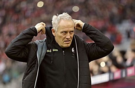Ο Κρίστιαν Στράιχ δεν πέρασε πολύ καλά στο τέλος του αγώνα της ομάδας του με την Άιντραχτ Φρανκφούρτης