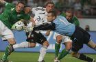 Ο Σέι Γκίβεν σε αγώνα του Euro 2008 με αντίπαλο τη Γερμανία